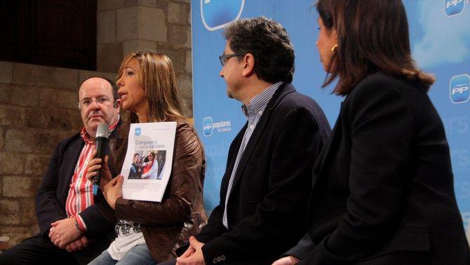 Rafael Luna, Alícia Sánchez-Camacho, Enric Millo i Dolors López, candidats del PPC a les eleccions. (Foto: ACN)