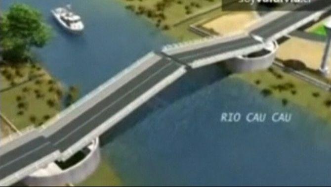 Recreació del pont llevadís sobre el riu Cau Cau.