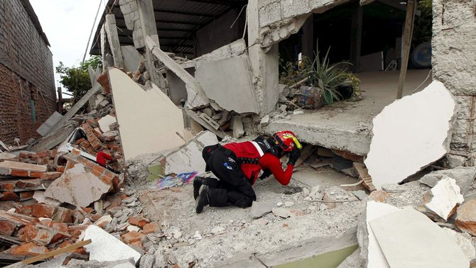 Pugen a 480 els morts al terratrèmol de l'Equador
