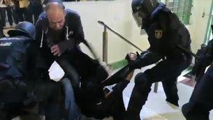 El testimoni dels ferits en les càrregues als col·legis electorals