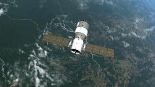 L'estació xinesa sobrevolant la Terra
