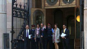 Pla general del president de la Generalitat, Quim Torra, entrant al TSJC amb la seva dona i els advocats Gonzalo Boye i Jaume Alonso-Cuevillas el 15 de maig del 2019 (horitzontal)