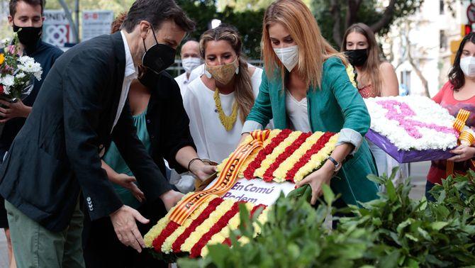 Jaume Asens i Jéssica Albiach, a l'ofrena floral d'En Comú Podem