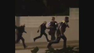 Persegueixen la policia a la festa major de Tiana