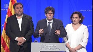 Oriol Junqueras, Carles Puigdemont i Ada Colau, aquest dijous després de l'atemptat a la Rambla de Barcelona