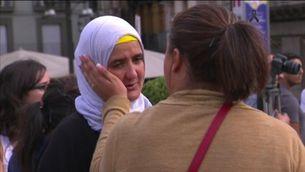 Familiars dels terroristes morts i detinguts es manifesten a Ripoll contra el terrorisme