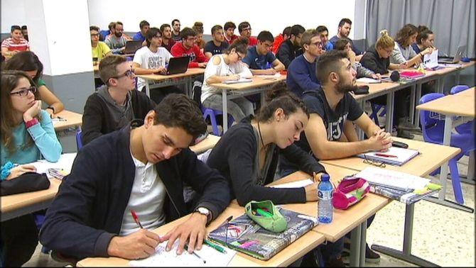 """L'oferta de graus universitaris a Catalunya és """"excessiva i massa especialitzada"""""""
