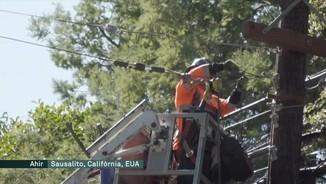 Imatge de:Califòrnia talla l'electricitat a la meitat dels comtats per evitar incendis enmig d'una onada de calor