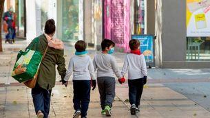 El pla per deixar sortir els nens al carrer: dues hores al dia i per franges d'edat