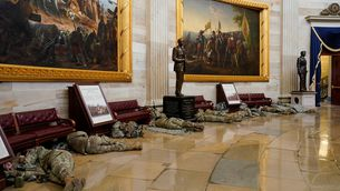La Guàrdia Nacional dorm al Capitoli, blindat per evitar un altre assalt