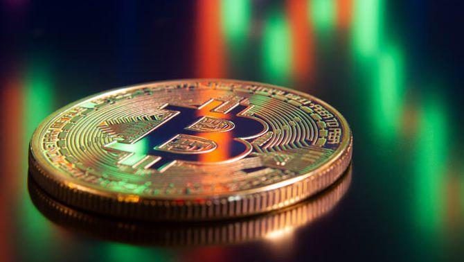 Musk diu ara que no accepta bitcoins pel cost mediambiental i la moneda cau un 17%