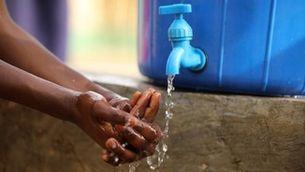 Tres joves de Terrassa, a la final d'un concurs mundial amb una idea per purificar aigua