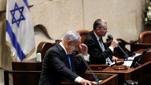 Netanyahu avisa que treballarà per derrocar el nou govern d'Israel en una sessió plenària molt tensa