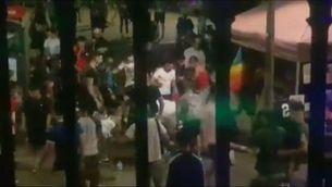 Dos detinguts, un d'ells menor, per apallissar un home durant la festa major de Terrassa