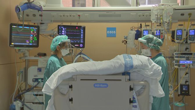 """Pacients més joves amb Covid """"gravíssima"""" i embarassades, el que més preocupa a les UCI"""