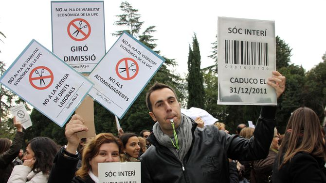La Politècnica suspèn la discussió del pla de viabilitat davant la protesta de 300 treballadors