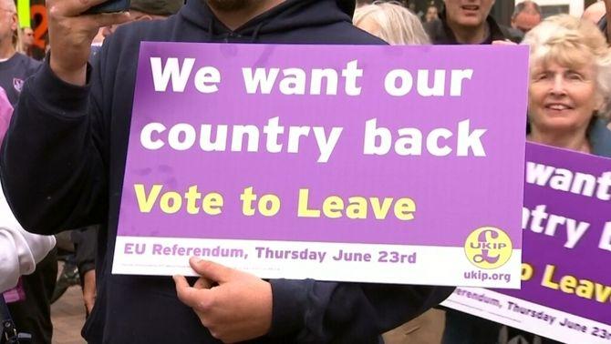 Es reprèn la campanya del referèndum sobre el Brexit després del dol per l'assassinat de la diputada Jo Cox