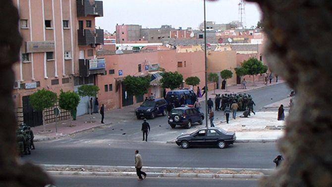 """""""Fusells o pintades. La lluita no-violenta del poble saharaui"""", de Jordi Oriola"""
