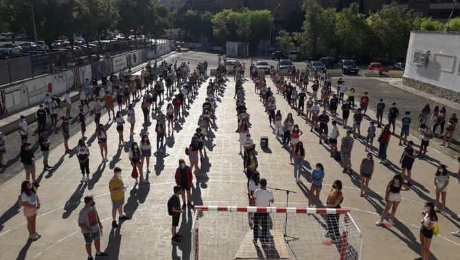 L'inici de curs d'un institut de 1.500 alumnes que no pot reduir els grups per la Covid