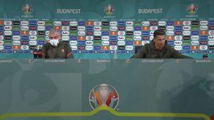 """Cristiano Ronaldo se les té amb un patrocinador de l'Eurocopa: """"Beveu aigua"""""""