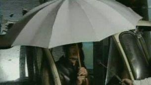 Gaddafi apareix a la televisió per esvair els rumors de fugida