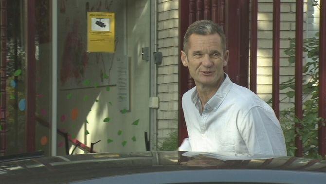 Iñaki Urdangarin en el moment d'ingressar a la presó de Brieva
