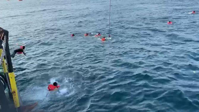 Itàlia autoritza l'Open Arms a desembarcar els 140 nàufrags que encara duia a bord
