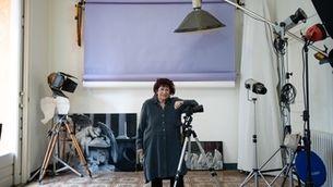 Pilar Aymerich al seu estudi