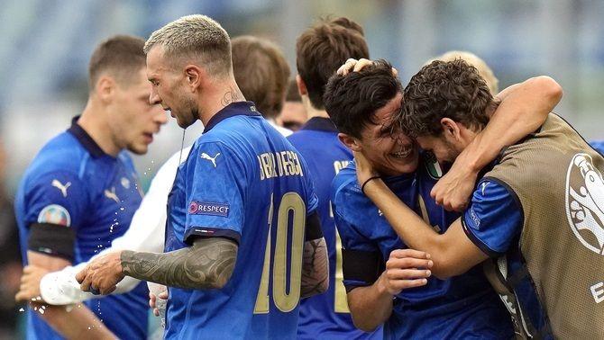 Itàlia i el País de Gal·les es classifiquen per als vuitens de final de l'Eurocopa