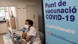 Salut admet que han caducat més de 69.000 vacunes per un error de càlcul