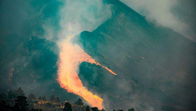 El flanc nord després de l'ensorrament, amb el vessant del Cumbre Vieja ple de lava