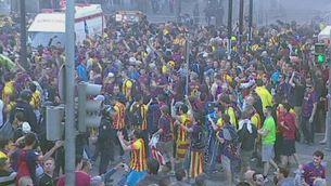 Noi apallissat per la policia a Mestalla