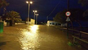 Carrer inundat a Malgrat de Mar, al Maresme, aquest matí