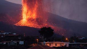 La lava del volcà de La Palma s'alenteix i podria no arribar al mar
