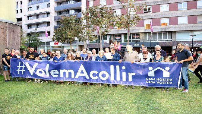 Una quarantena de gironins protesten per l'incompliment de la quota de refugiats del govern espanyol