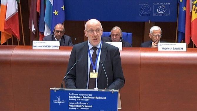 El president del Parlament islandès demana a Europa més atenció a la situació catalana