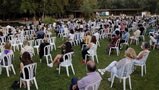 Lleida ret homenatge als 349 veïns que han mort durant el confinament en un emotiu acte al parc de la Mitjana