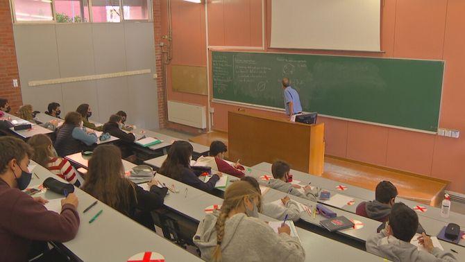 El govern espanyol vol posar fi als graus universitaris de tres anys