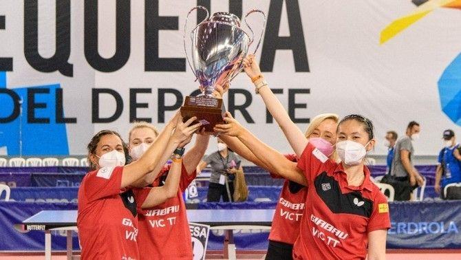 El Girbau Vic guanya la superdivisió femenina de tenis taula