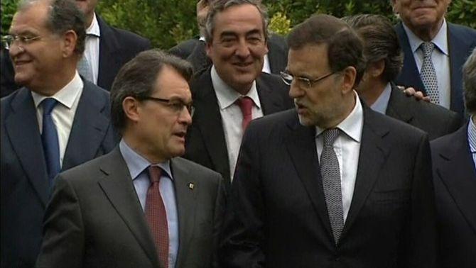 Imatge d'arxiu de Mas i Rajoy durant la inauguració de l'últim Saló de l'Automòbil.