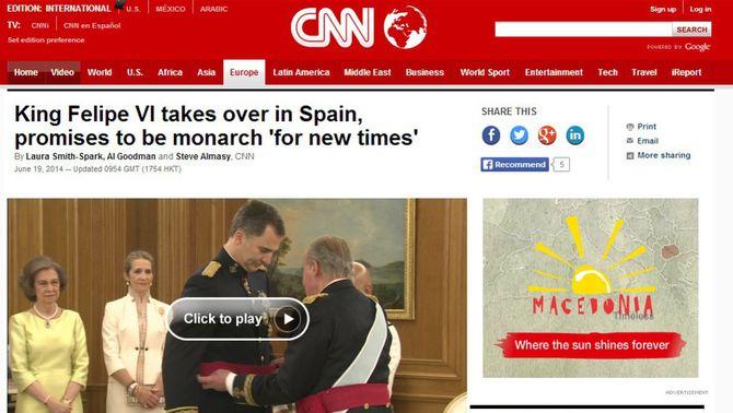 """""""Una exreportera de la CNN es converteix en reina"""", recorda la cadena nord-americana, en el seu especial."""