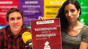 Pablo Acedo i Lucía Nistal, dos dels impulsors dels referèndums universitaris sobre la monarquia