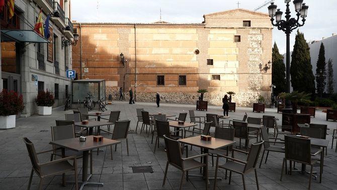 Madrid tanca botigues, bars i restaurants, i manté oberts farmàcies i supermercats