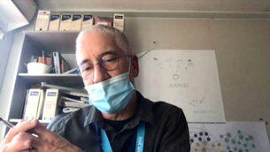 Experts rebaten una falsa creença sobre les vacunes de la covid: no modifiquen el nostre ADN