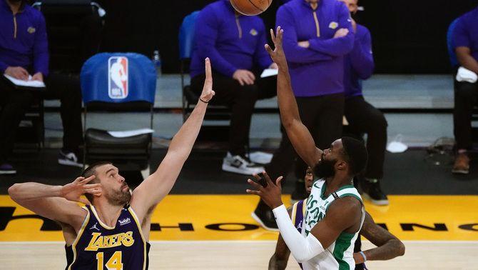 Els Boston Celtics frustren el retrobament dels Los Angeles Lakers amb el seu públic (113-121)