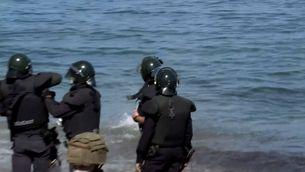 Desenes de subsaharians també intenten arribar a Ceuta