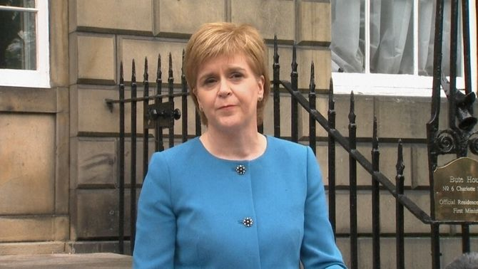 Escòcia vol obrir negociacions immediates amb Brussel·les per mantenir-se a la Unió Europea