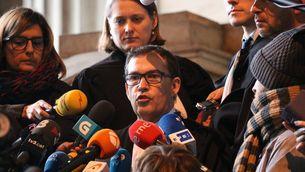 L'advocat de Carles Puigdemont, Jaume-Alonso Cuevillas, durant la compareixença d'ahir després de la visita a Brussel·les (ACN)