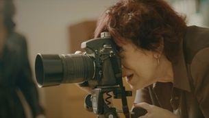 Pilar Aymerich rememora set fotografies emblemàtiques de la seva carrera