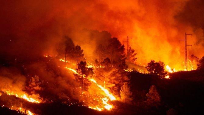 El foc al massís del Montgrí